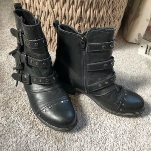 REPORT BOOTS